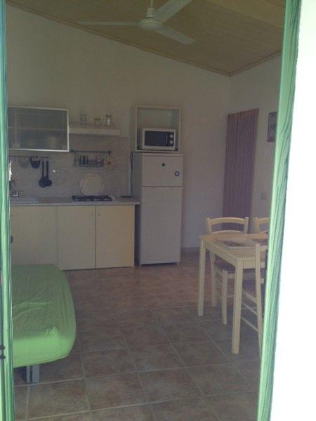 casa gialla ingresso cucina_450x600